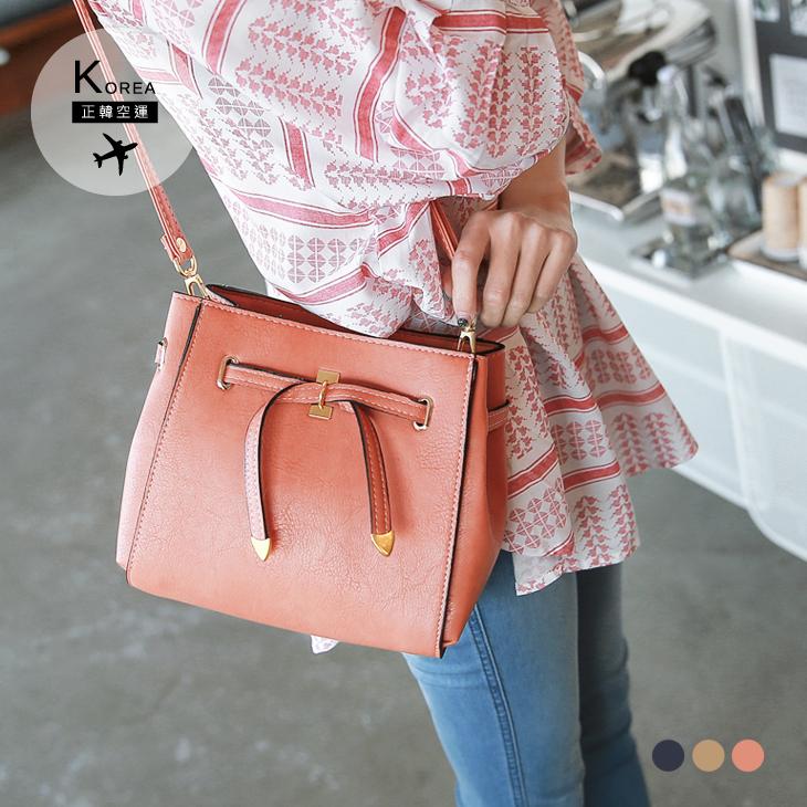 0217新品 【特價款】 質感蝴蝶結造型側背小方包.3色