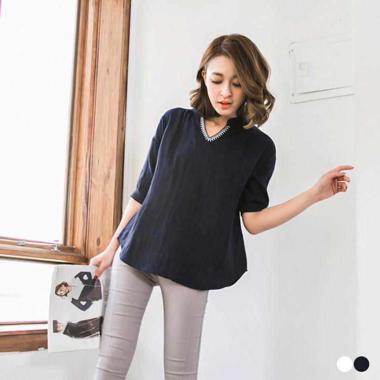 0302新品 V領刺繡點綴開襟五分袖上衣.2色