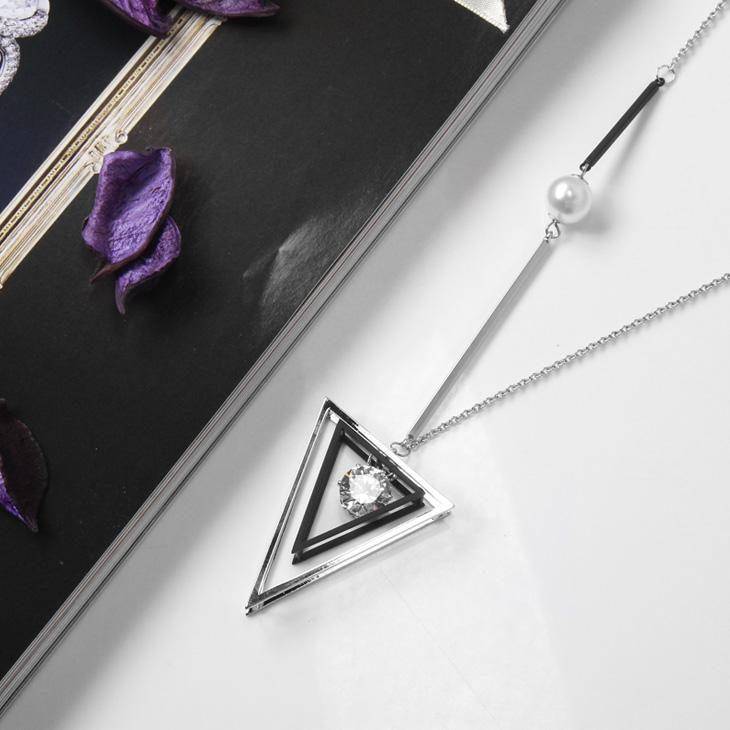 0225新品 【特價款】 黑ob design購物網銀鏤空三角水鑽珍珠層次墬飾項鍊