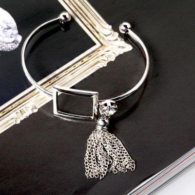 【奢華飾品♥2件68折】立體方型設計X水鑽流蘇手環