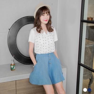 0509新品 清新質感~小V領花朵刺繡鏤空布蕾絲雙面料上衣.2色