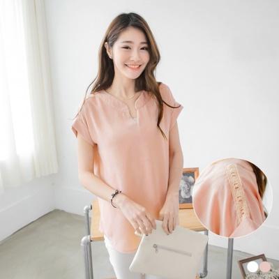 0604新品 素色繡花蕾絲肩反褶袖V領上衣.2色