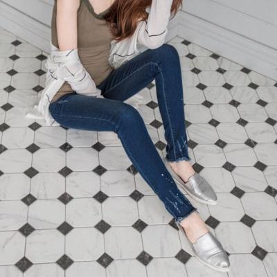 0530新品 下襬刷色潑漆感造型窄管彈性牛仔褲
