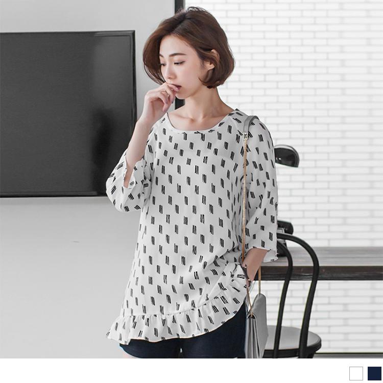 0517新品 ob嚴選衣服 線條印花設計七分袖長版上衣.2色