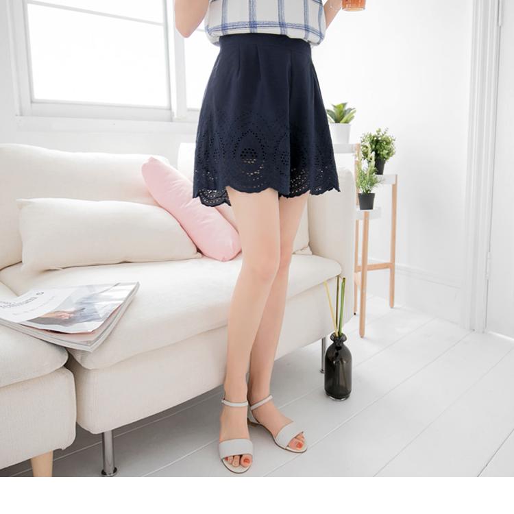 0415新品 素色打褶雕花造型寬鬆短褲裙