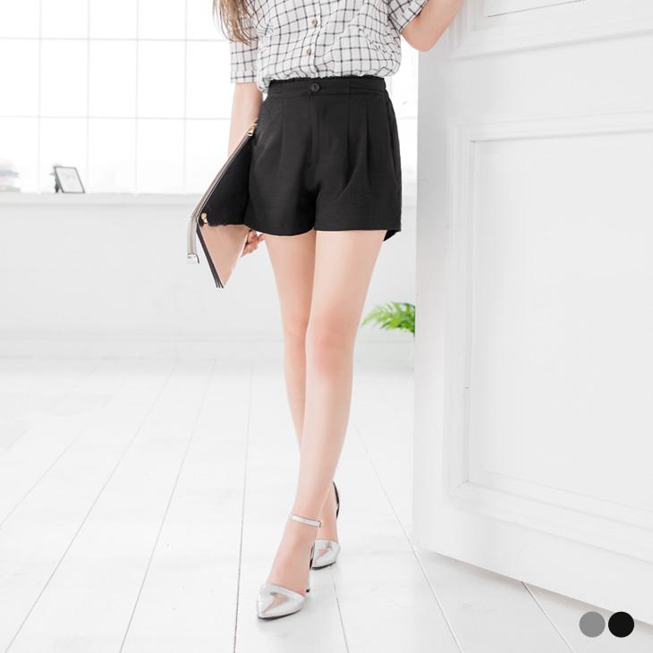 0426ob衣服新品 素色小荷葉邊開釦打褶短褲.2色