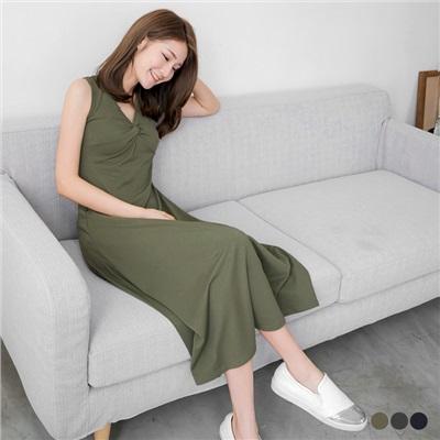0617新品 素色胸前抓皺V領無袖長洋裝.3色