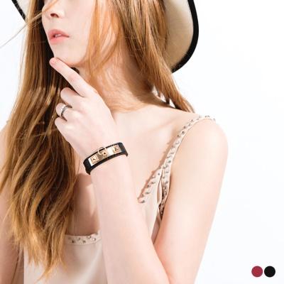 0425新品 【特價款】 鉚釘皮革金屬釦式手環.2色