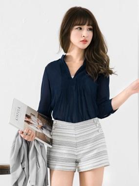 開襟V領打褶線條感雪紡長版襯衫.5色