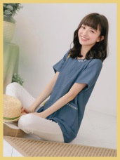 電繡花朵滾邊雙口袋設計純色上衣