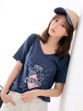 台灣製造 . 高含棉美式英文燙印V領T恤
