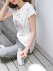 台灣製造.  獨角獸花朵燙印圖連袖圓領T恤/上衣