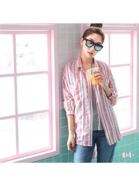 配色直條紋雙口袋設計前短後長棉感襯衫.2色