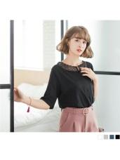 素色雕花蕾絲開衩V領造型高棉量七分袖上衣.4色
