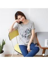撞色愛心拼貼造型燙印高含棉T恤.2色