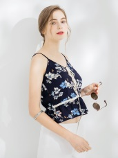 碎花蕾絲織條綁帶造型細肩帶背心.2色