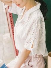 浪漫鏤空蕾絲綴綁帶袖口造型排釦襯衫.2色