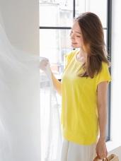 純色立體織紋兩側剪接造型連袖上衣.3色