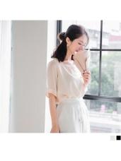 純色透膚拼接五分袖輕薄上衣.2色