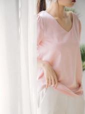 質感純色緞面V領口抓皺袖造型上衣.2色