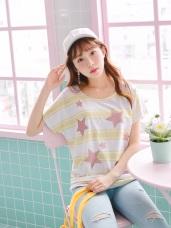 配色橫條紋綴亮粉星星燙印側抓皺造型連袖上衣.2色