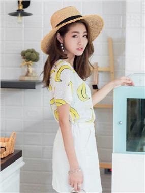 香蕉/西瓜手繪印圖前短後長層次透膚質感上衣.2色