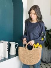 花朵刺繡縮口袖高含棉圓領上衣
