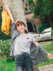 台灣製造.細緻刺繡愛心泡泡袖素色T恤上衣