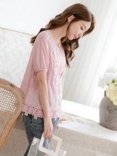 純色織紋假兩件式蕾絲雕花短袖上衣