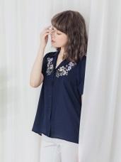 胸前花朵刺繡雪紡翻領短袖襯衫
