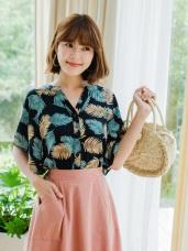 色彩鮮豔葉片印花開襟襯衫