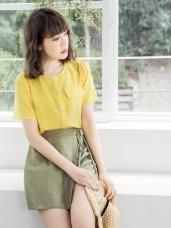 純色貝殼排釦造型口袋短袖上衣