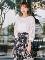 蝴蝶網紗拼袖純色含棉上衣