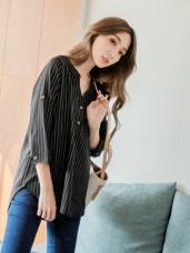 不易皺排釦半開襟條紋七分袖寬鬆上衣