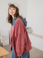 袖口蕾絲雕花純色排釦上衣/外套