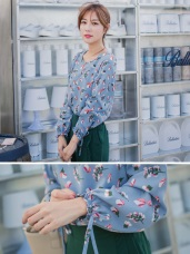浪漫約會系列~甜美感印花袖口綁帶上衣