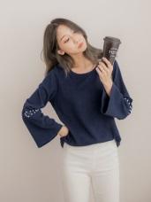 造型袖口綴珍珠羅紋純色上衣