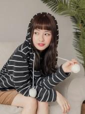 台灣製造.抽繩綴毛球橫條紋配色內刷毛連帽上衣