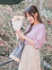 鏤空蕾絲雕花拼接七分袖圓領純色上衣