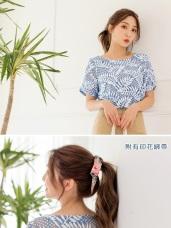 蕾絲雕花造型領巾氣質圓領上衣