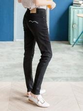 黑色嚴選修身窄管牛仔褲