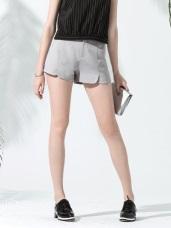 圓弧口袋造型開衩西裝短褲.3色