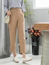 金屬釦環腰帶造型光澤感素色七分直筒褲.3色