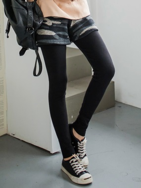 假兩件式仿針織迷彩短褲X黑色顯瘦輕磨毛內搭褲