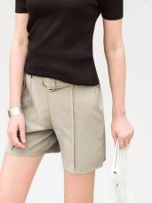 質感金屬皮帶打褶腰鬆緊西裝短褲.3色