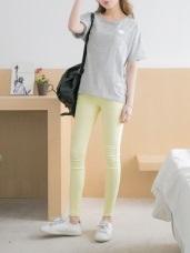 腰圍鬆緊層次口袋造型嫩膚純色彈性窄管褲.4色