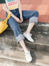 不收邊褲腳設計高腰水洗牛仔寬褲