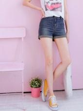反摺褲管造型刷色牛仔短褲