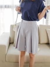 質感純色打褶造型修身五分褲.2色
