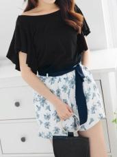 附綁帶後腰鬆緊花朵印花柔料短褲.2色